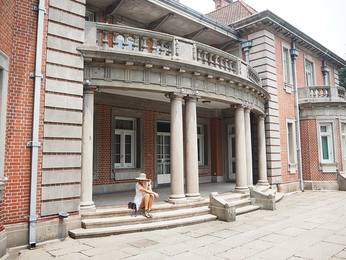 Travel blogger Lisa Hamilton of See Want Shop at the Intercontinental Shanghai Ruijin mansion