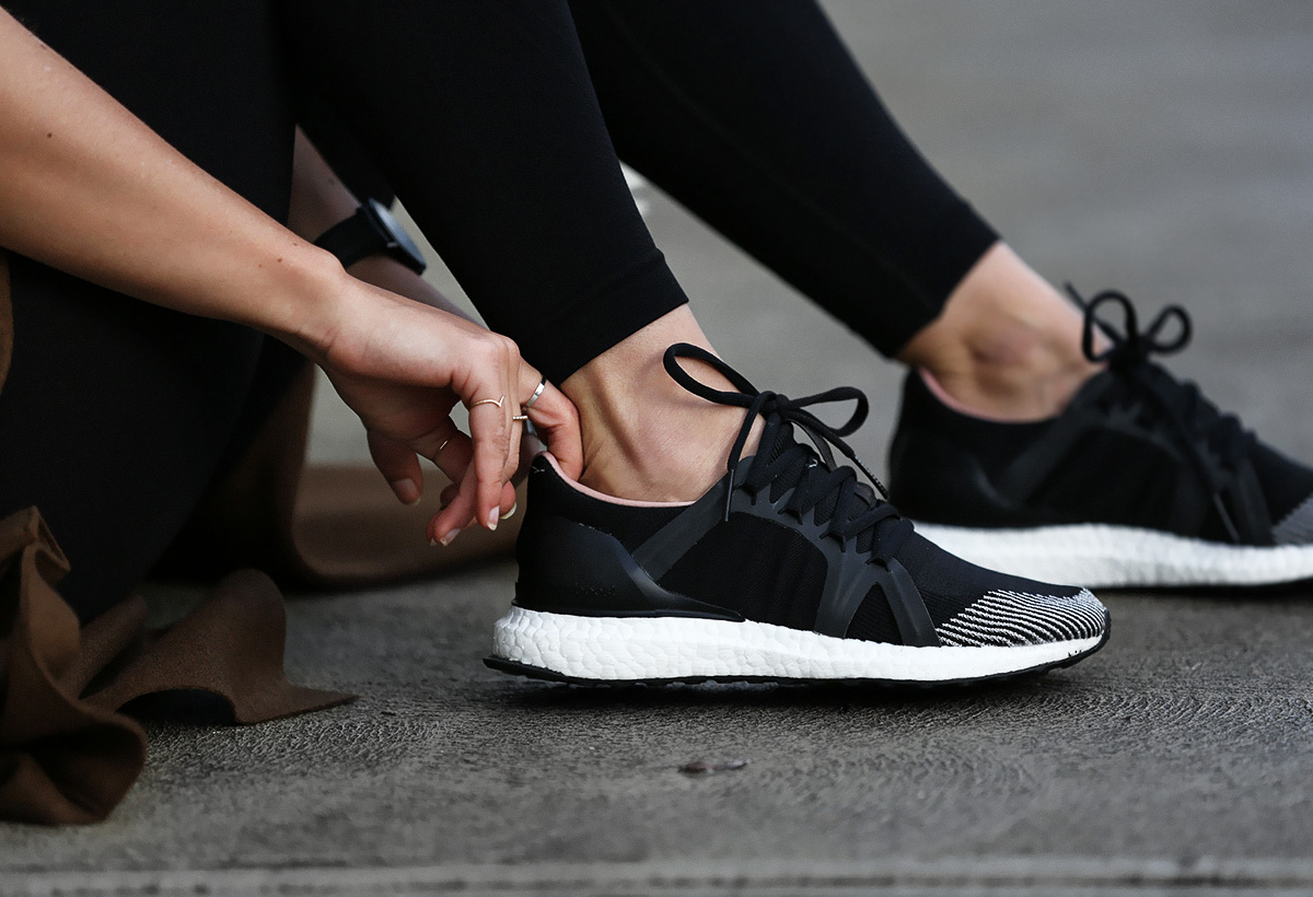 seewantshop-avenue-32-adidas-stella-mccartney-trainers-boost-runners-activewear-sports-luxe-outfit-blogger