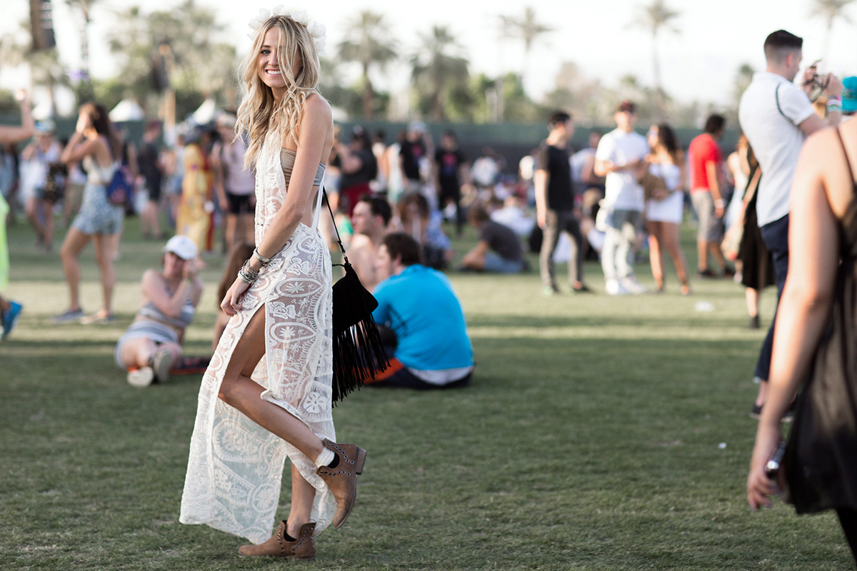 seewantshop-coachella-outfit-festival-lace-maxi-dress