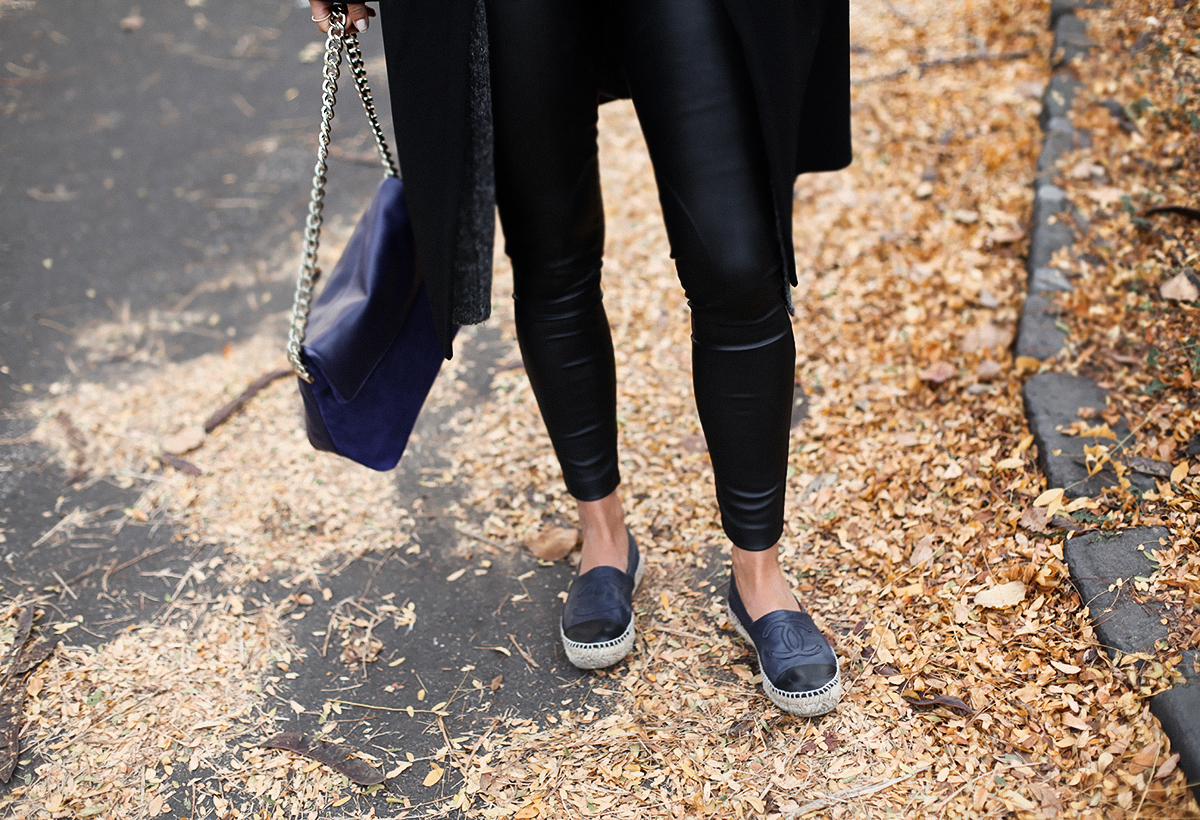 Australian fashion blogger Lisa Hamilton styling an all black outfit from Karen Millen for Autumn with Chanel espadrlles
