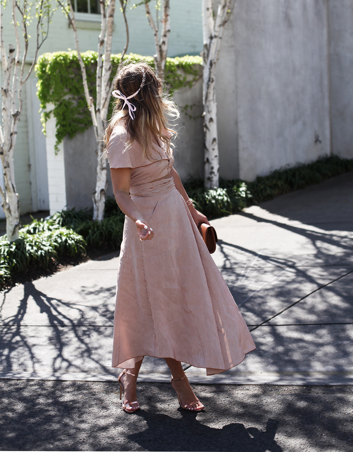 Style blogger Lisa Hamilton wears Country Road dress & Colette spring racing accessories